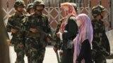 گشتزنی نیروهای نظامی چین در استان مسلماننشین سینکیانگ