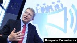 Komisionari Evropian për zgjerim Stefan Fule