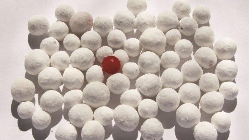 Паміж белым ічорным: Міхал Анемпадыстаў дасьледуе прыроду беларускага колеру