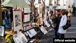 Paris. Sənətkarların Montmartre qəsəbəsindən bir görüntü