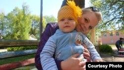Настя с дочкой Виолеттой
