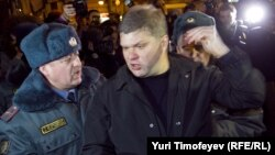"""Лидер """"Яблока"""" Сергей Митрохин был задержан на акции оппозиции в 2011 году"""