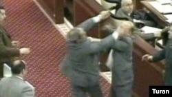 Hüseyn Abdullayev parlamentdə Fəzail Ağamalı ilə davaya görə, cinayət məsuliyyətinə cəlb edilib