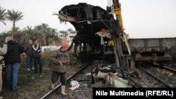 رفع بقايا عربة قطار بعد حادة 15 كانون الثاني