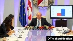 По словам министра финансов Нодара Хадури, реформа усилит прозрачность в сфере госфинансов и упорядочит оборот бюджетных средств. В частности, будет решена проблема задержек в освоении бюджетных средств