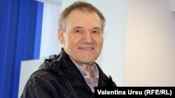 Nicolae Negru în studioul Europei Libere de la Chișinău