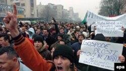 Makedoniyalılar bildirirlər ki, onların İsgəndəri monopoliyaya almaq niyyətləri yoxdur