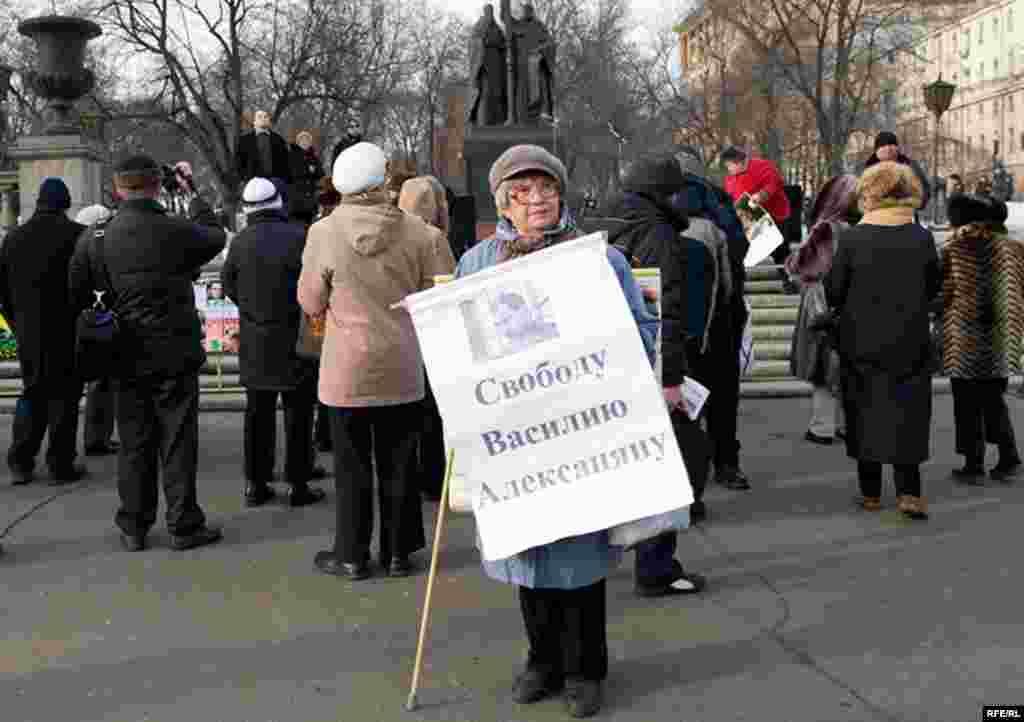 Ветеран оппозиционных митингов Нина Семеновна