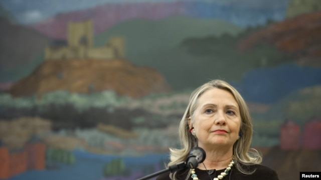 U.S. Secretary of State Hillary Clinton is calling for changes in the leadership of Syria's opposition.