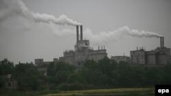 Китайский цементный завод у города Чангшу, 18 мая 2006