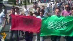 Protesta kundër arrestimeve për vrasjen e pesëfishtë
