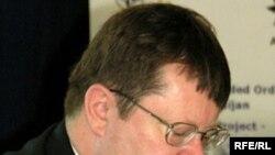 NATO-nun Cənubi Qafqaz və Orta Asiya üzrə xüsusi nümayəndəsi Robert Simmons