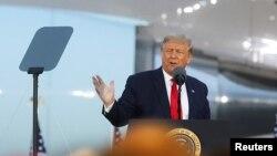 Az amerikai elnök egy kampányeseményen beszél, Michigan-ben, 2020. szeptember 10. REUTERS/Jonathan Ernst