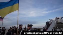 США. Президент Украины Петр Порошенко прибыл с рабочим визитом в Вашингтон. 30.03.2016