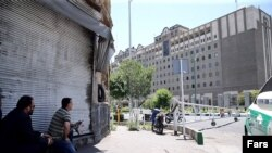 Iran -- Security forces outside the Iranian parliament building attacked by gunmen, 7Jun2017.