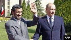 سفر ولادیمیر پوتین به تهران تا اواخر روز دوشنبه در هاله ای از ابهام مانده بود.