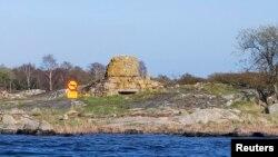 Знак на березі: «Підводна човнам не підходити», Швеція, 29 квітня 2015