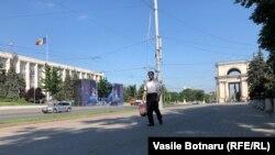 Piața Marii Adunări Naționale în dimineața de 9 iunie