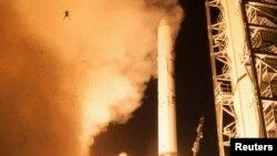 Уоллопс ғарыш айлағынан зымыран ұшыруы сәті. Вирджиния штаты, АҚШ, 6 қыркүйек 2013 жыл. Көрнекі сурет.