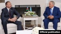 Qozog'iston prezidenti Bodrum sammiti doirasida Ozarbayjon prezidenti Ilhom Aliyev bilan ham uchrashdi.