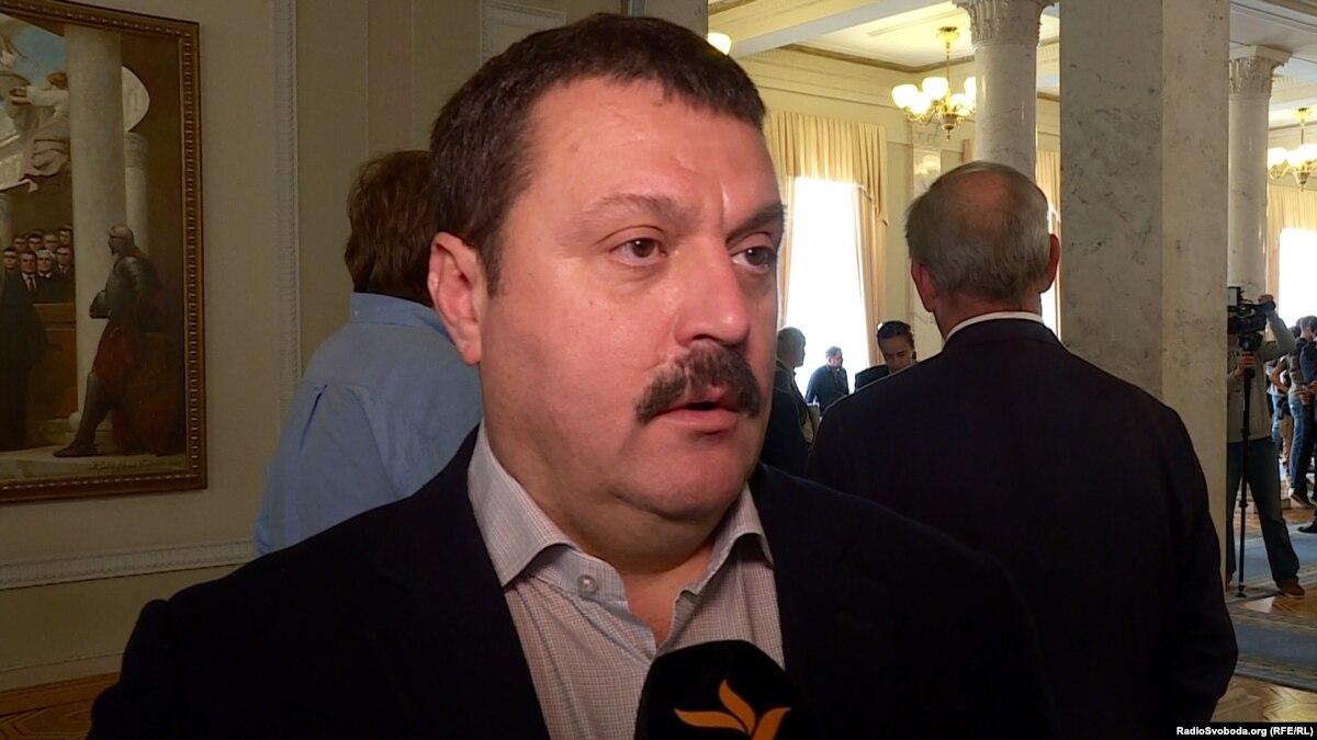 Депутат Деркач заявляет, что передал в ГБР документы о «влияние посольства США» на НАБУ