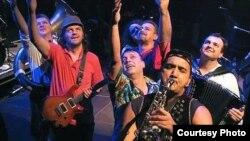 Էմիր Կուստուրիցա և The No Smoking Orchestra