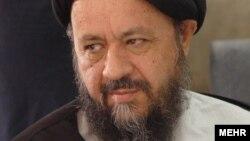 صدرالدین شریعتی، رئیس دانشگاه علامه طباطبایی میگوید که اگر کودتایی کرده، کودتا علیه جهل بوده است