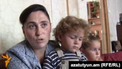 Բազմազավակ մայր Լուսինե Խաչատրյանը դժգոհում է իր բնակարանային վատ պայմաններից, արխիվ