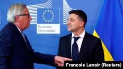 Президент України Володимир Зеленський (праворуч) і президент Європейської комісії Жан-Клод Юнкер. Брюссель, 4 червня 2019 року