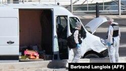 Слідчі на місці інциденту, Марсель, Франція 21 серпня 2017 року