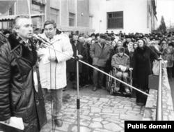 Василь Овсієнко під час виступу. Архівне фото