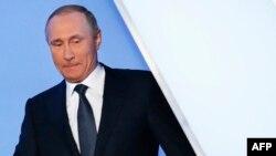 Президент России Владимир Путин. 7 апреля 2016 года.