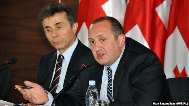 Новообраний президент Грузії Ґіорґі Марґвелашвілі (праворуч) і чинний прем'єр країни Бідзіна Іванішвілі, Тбілісі, 28 жовтня 2013 року