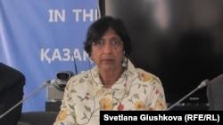 Наві Піллей в Астані 12 липня 2012 року