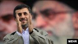 Претседателот на Иран Махмуд Ахмадинеџад