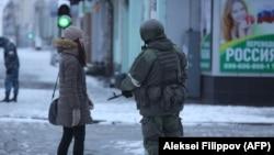 На вулицях Луганська під час «путчу» в угрупованні «ЛНР», 22 листопада 2017 року