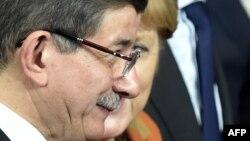 Avropa üçün Ahmet Davutoğlu ilə danışmaq daha asan idi