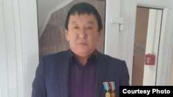 Шахтер, металлург пен мұнайшының зейнетке шығу жасын төмендетуді талап етіп, петиция жариялаған Серік Жұмаділов.
