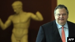 Грчкиот заменик премиер и министер за надворешни работи Евангелос Венизелос.