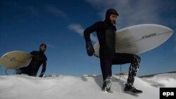 با وسایل اسکی روی آب، اینبار روی برف؛ نیویورک
