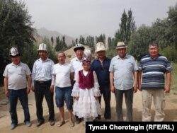 Кең-Кыр айылынын жогору жагында, Санжу өзөнүнүн жанында. 27.7.2015.