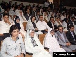 Массовая свадебная церемония в Иране