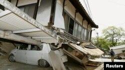 Руйнування після землетрусу, місто Масікі, префектура Кумамото на півдні Японії, 15 квітня 2016 року