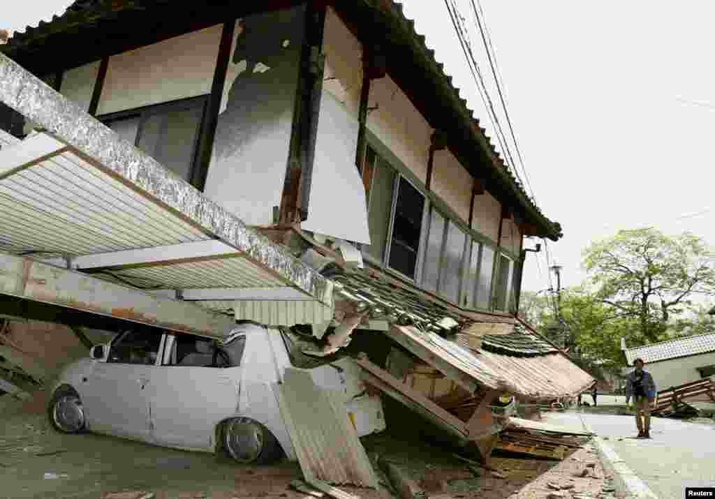 Из-за землетрясения было остановлено движение поездов на некоторых линиях железных дорог.