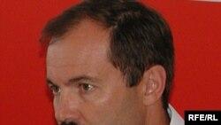 Russian bloc leader Oleg Rodivilov