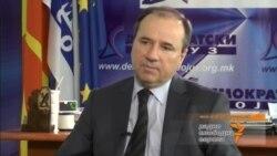 Трајанов - Масовното прислушување специфично за авторитарни држави