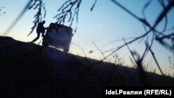 Нарушитель на месте несанкционированного слива. Снимок с фотоловушки предоставила госинспектор Ригина Рафагетдинова