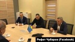 Oleg Sentsov qırımtatar halqınıñ liderlerinen körüşti