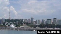 Soci, Rusia 2016: Vedere a orașului dinspre Marea Neagră