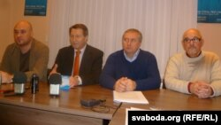 Зьлева направа: Валянцін Стэфановіч, Аляксандар Ярашук, Павал Сапелка і Гары Паганяйла